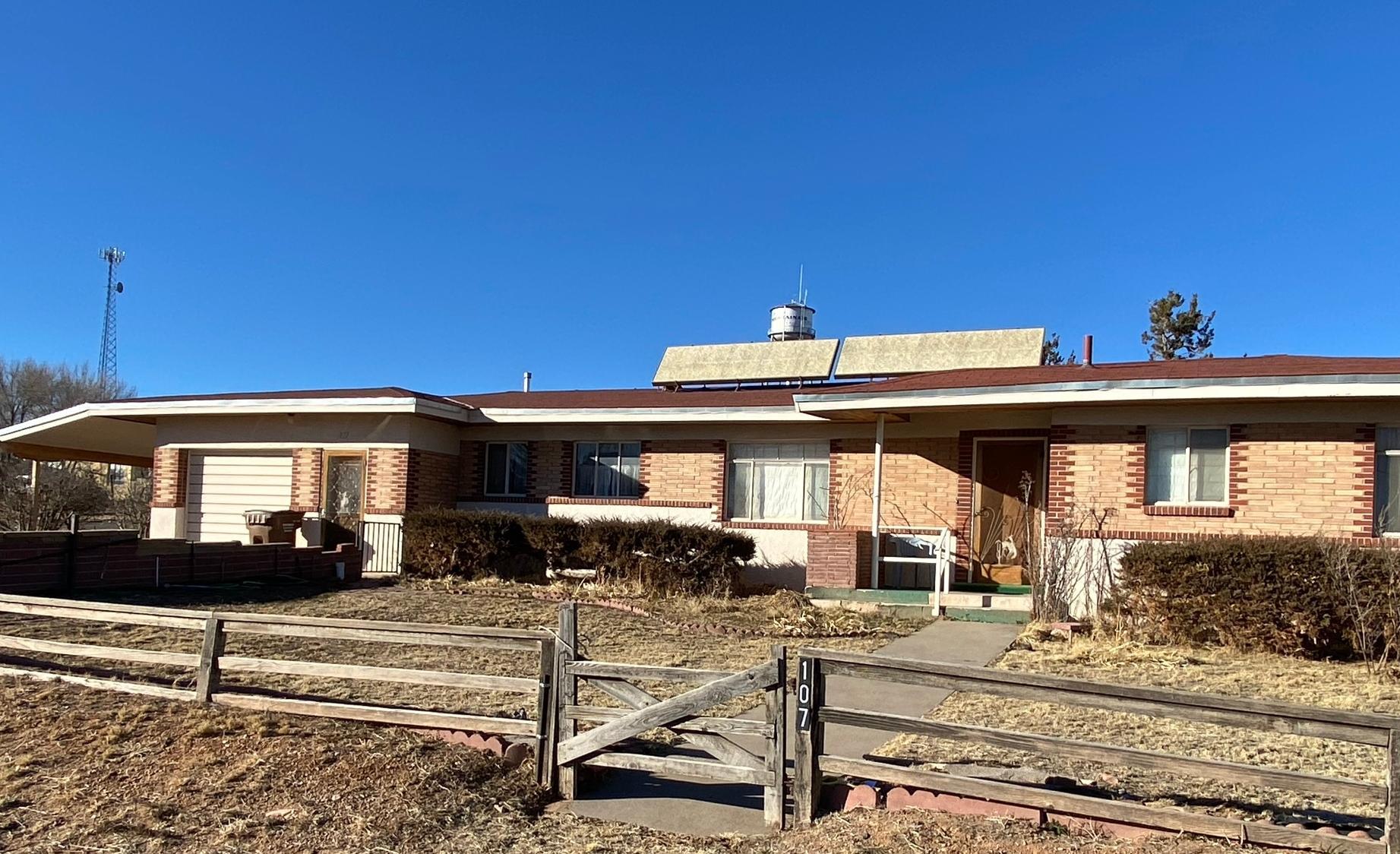 107 W PINON Street Property Photo - Mountainair, NM real estate listing
