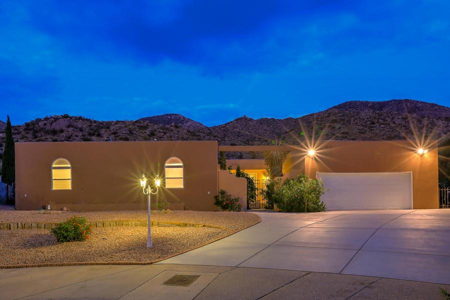 13116 SANDSTONE Place NE Property Photo - Albuquerque, NM real estate listing