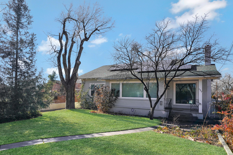 625 SPRUCE Street NE Property Photo - Albuquerque, NM real estate listing