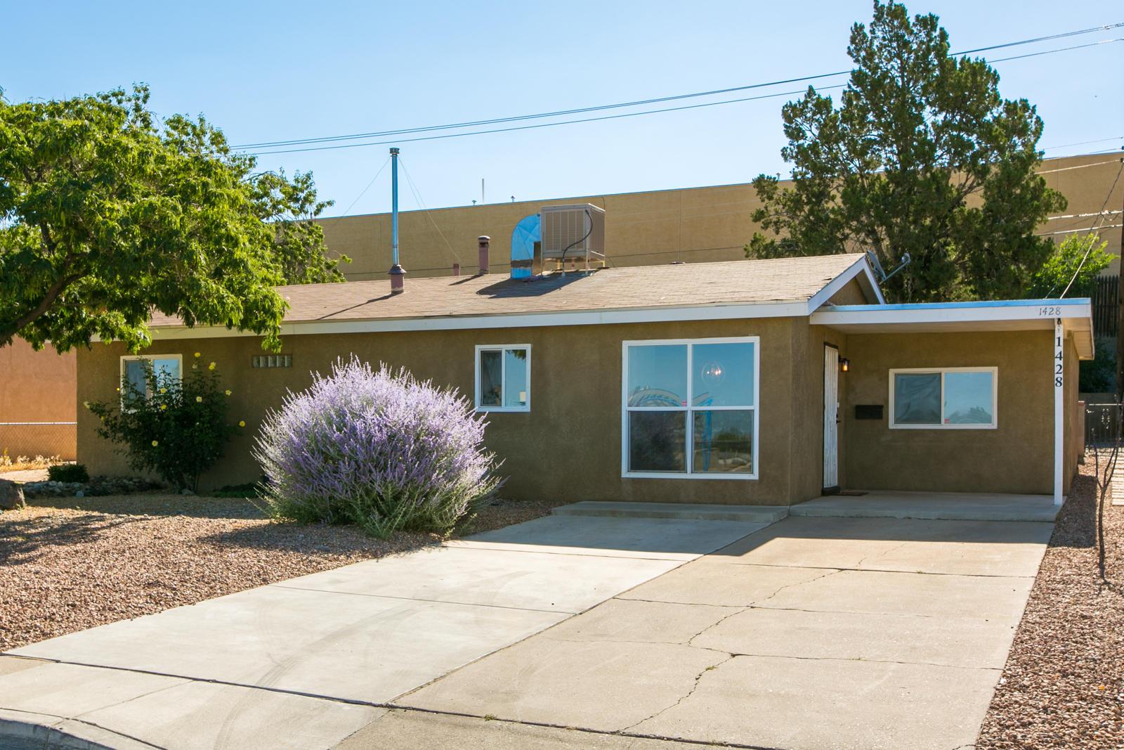 1428 MURIEL Street NE Property Photo - Albuquerque, NM real estate listing