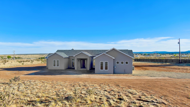 250- Nw Edgewood Real Estate Listings Main Image
