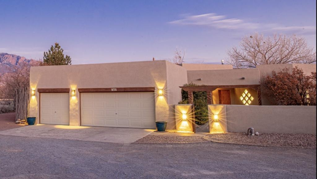 102 Madeline Court Property Photo - Corrales, NM real estate listing