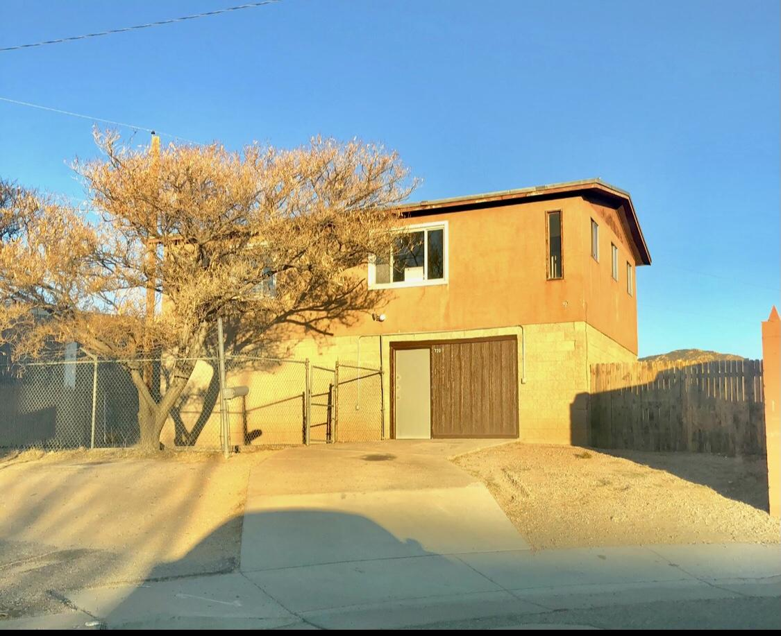 720 Morris Street Ne Property Photo
