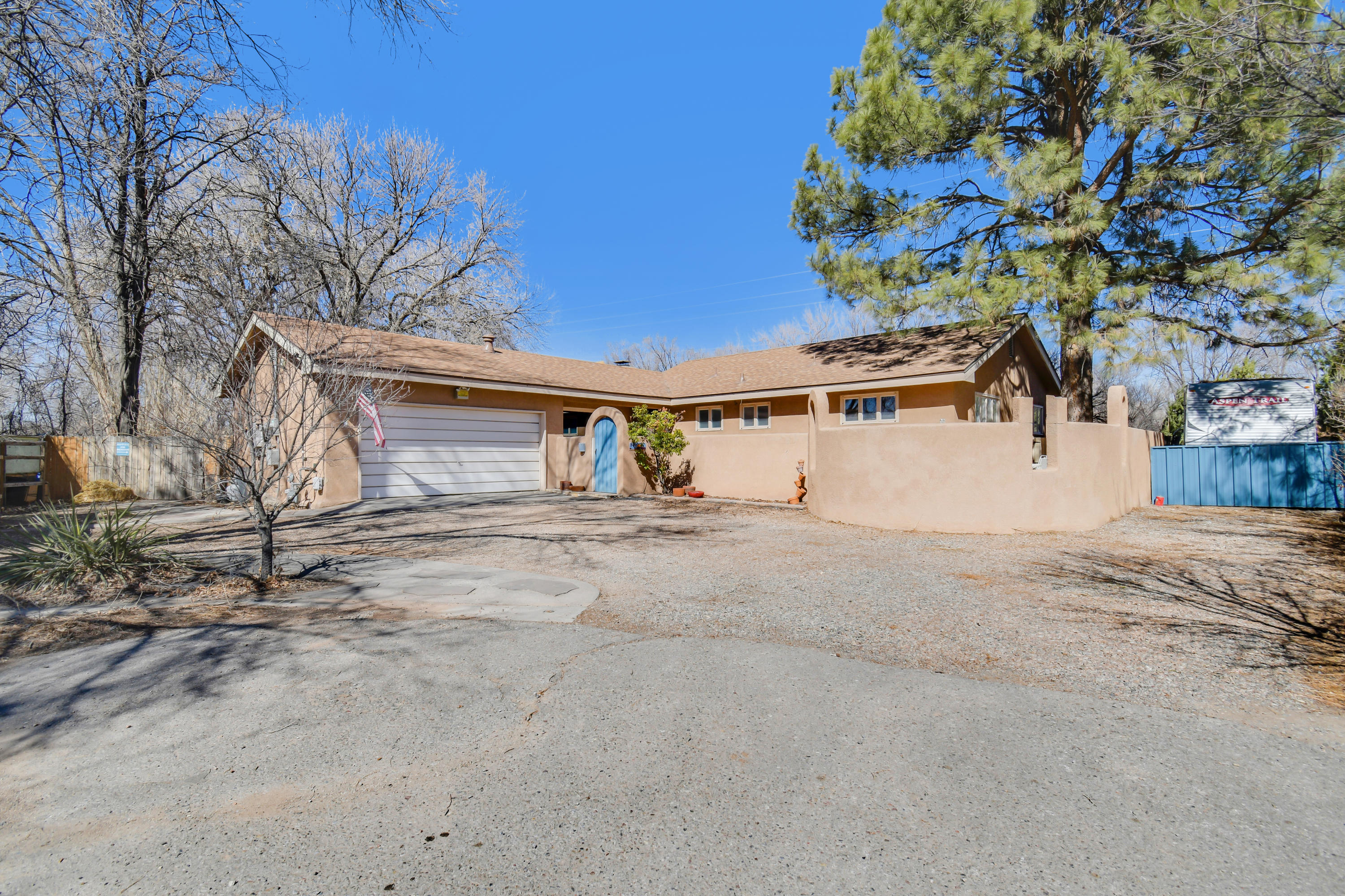 801 CALLE DEL PAJARITO NW Property Photo - Los Ranchos, NM real estate listing