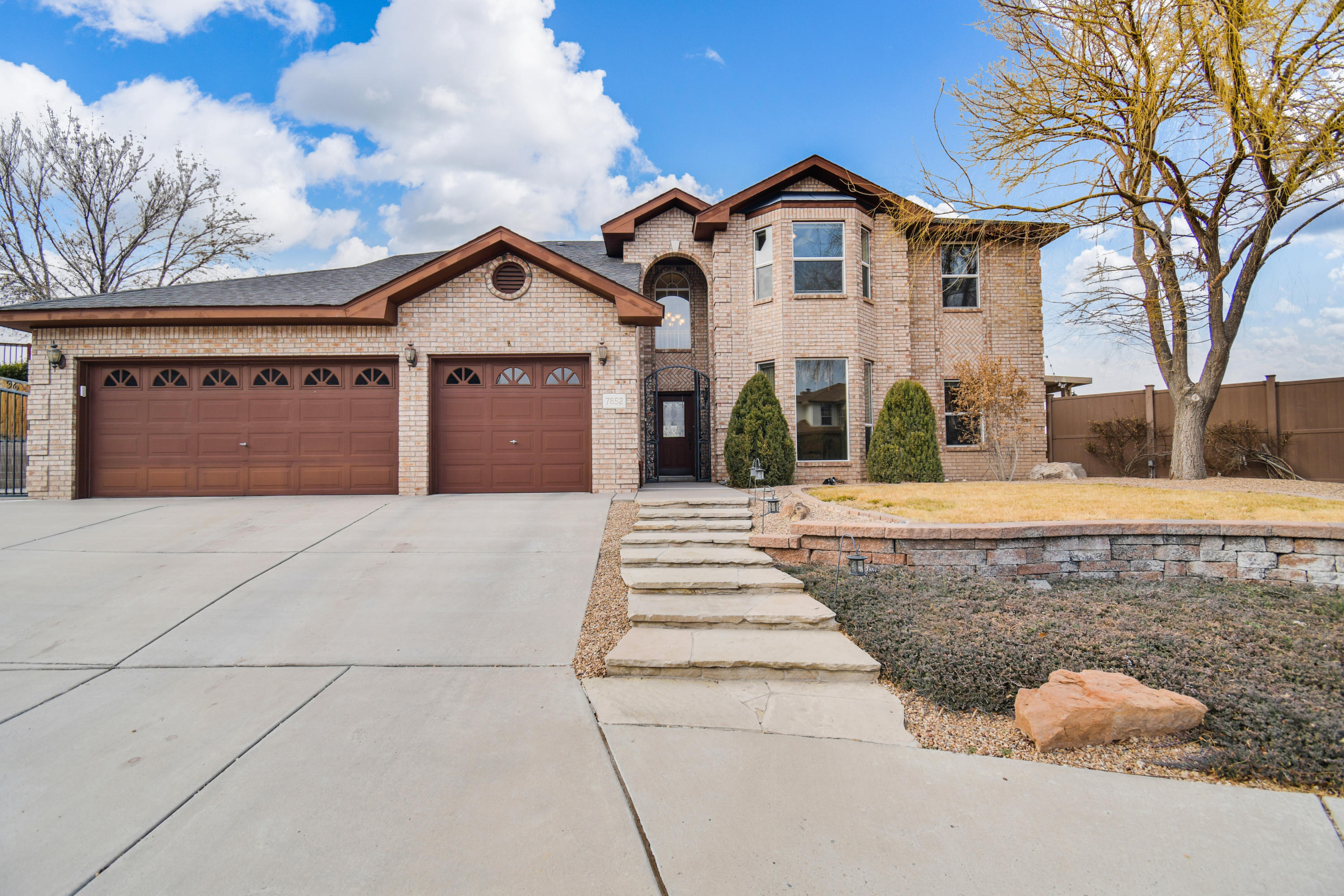 7852 RIDGEVIEW Drive NW Property Photo - Albuquerque, NM real estate listing