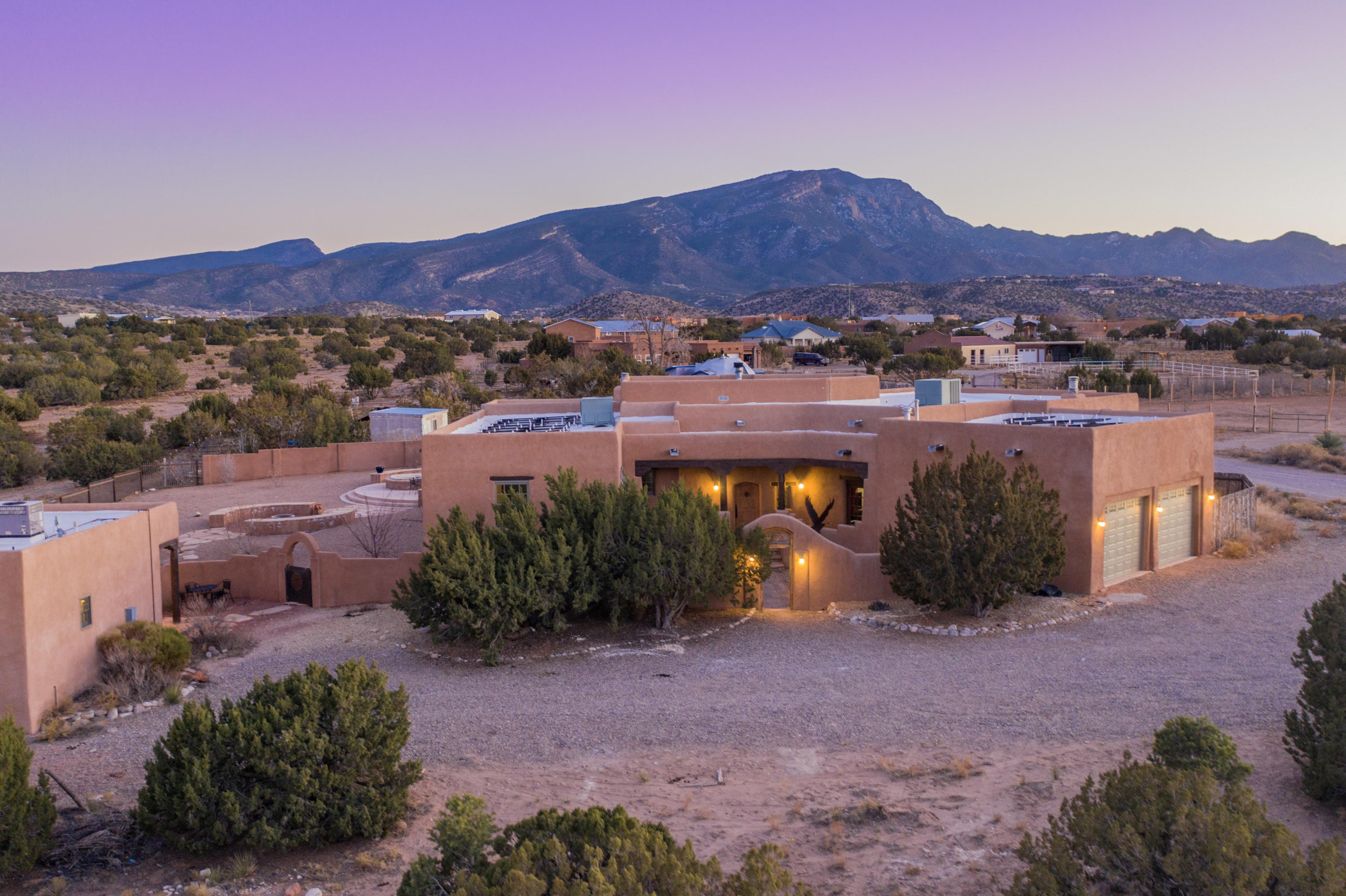 11 TOAD Road Property Photo - Placitas, NM real estate listing