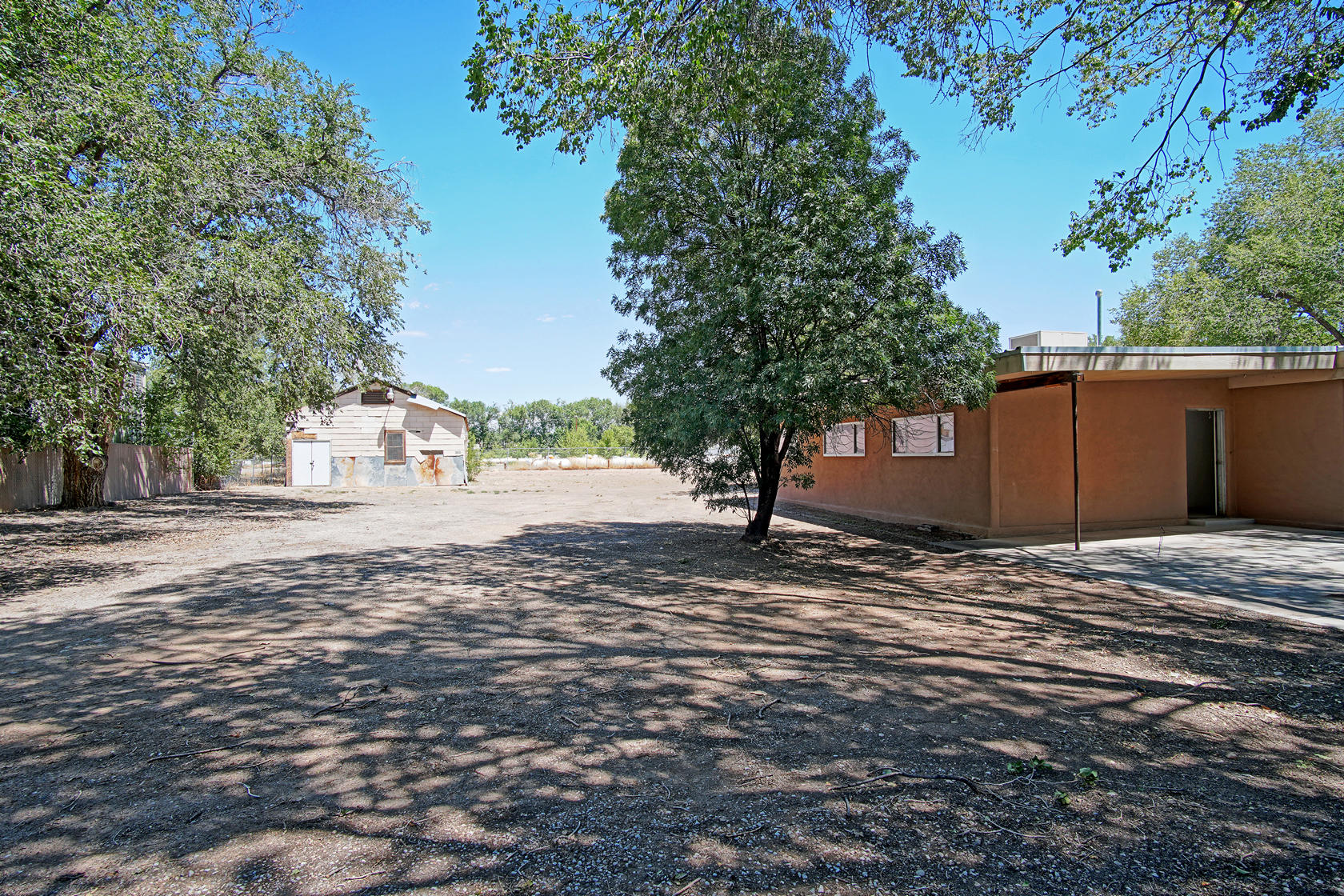7324 4TH Street NW Property Photo - Los Ranchos, NM real estate listing