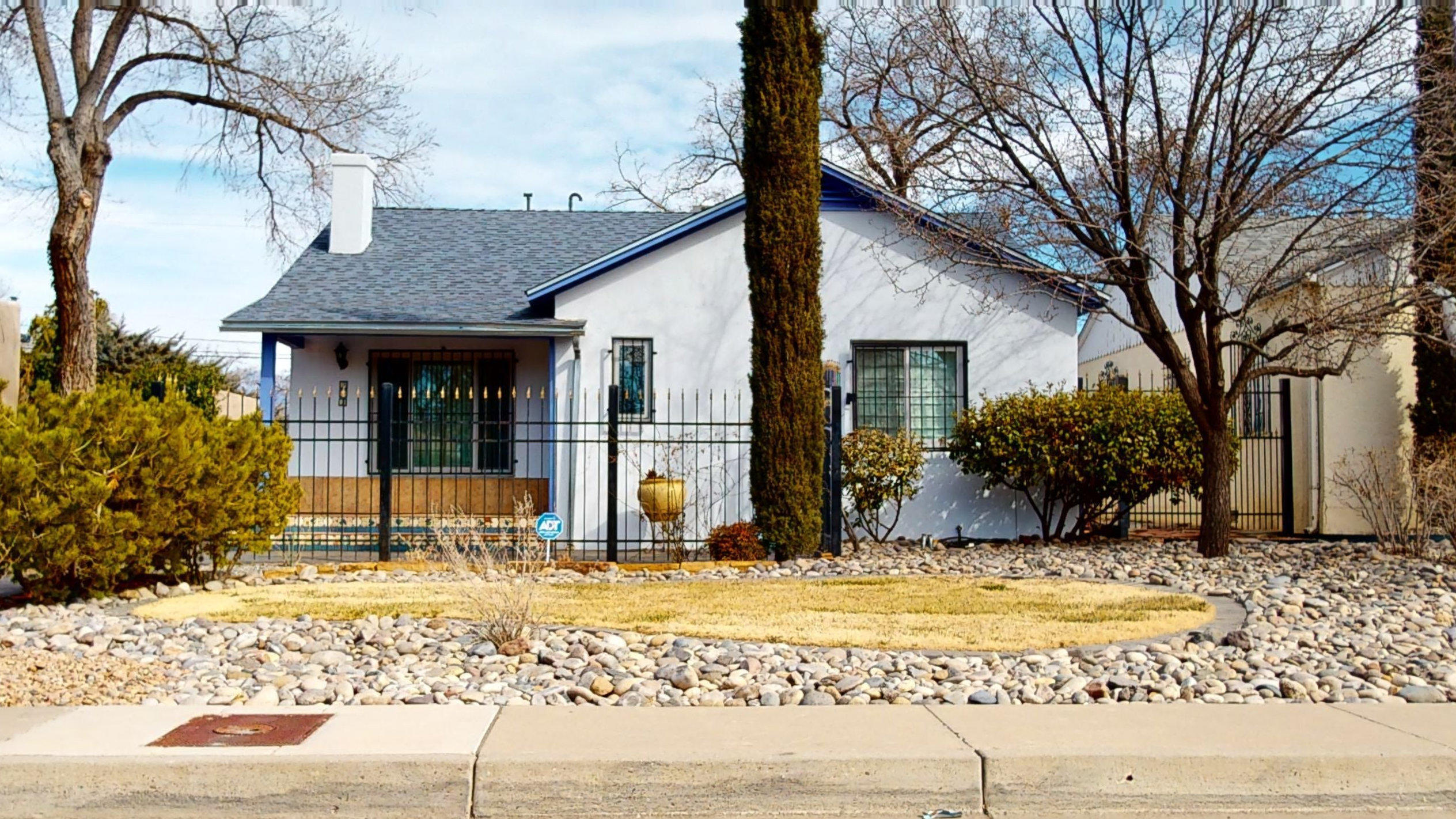 212 SOLANO Drive NE Property Photo - Albuquerque, NM real estate listing
