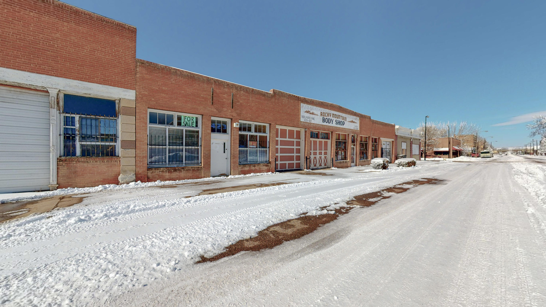 423 Railroad Avenue Property Photo