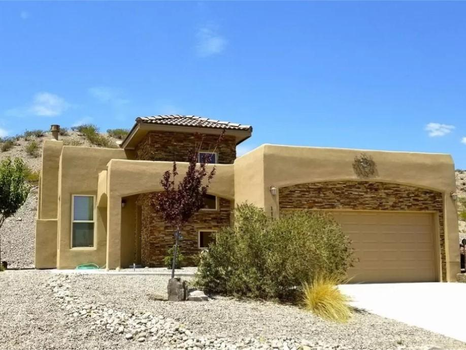 112 Canon Del Luna Drive Property Photo - Elephant Butte, NM real estate listing