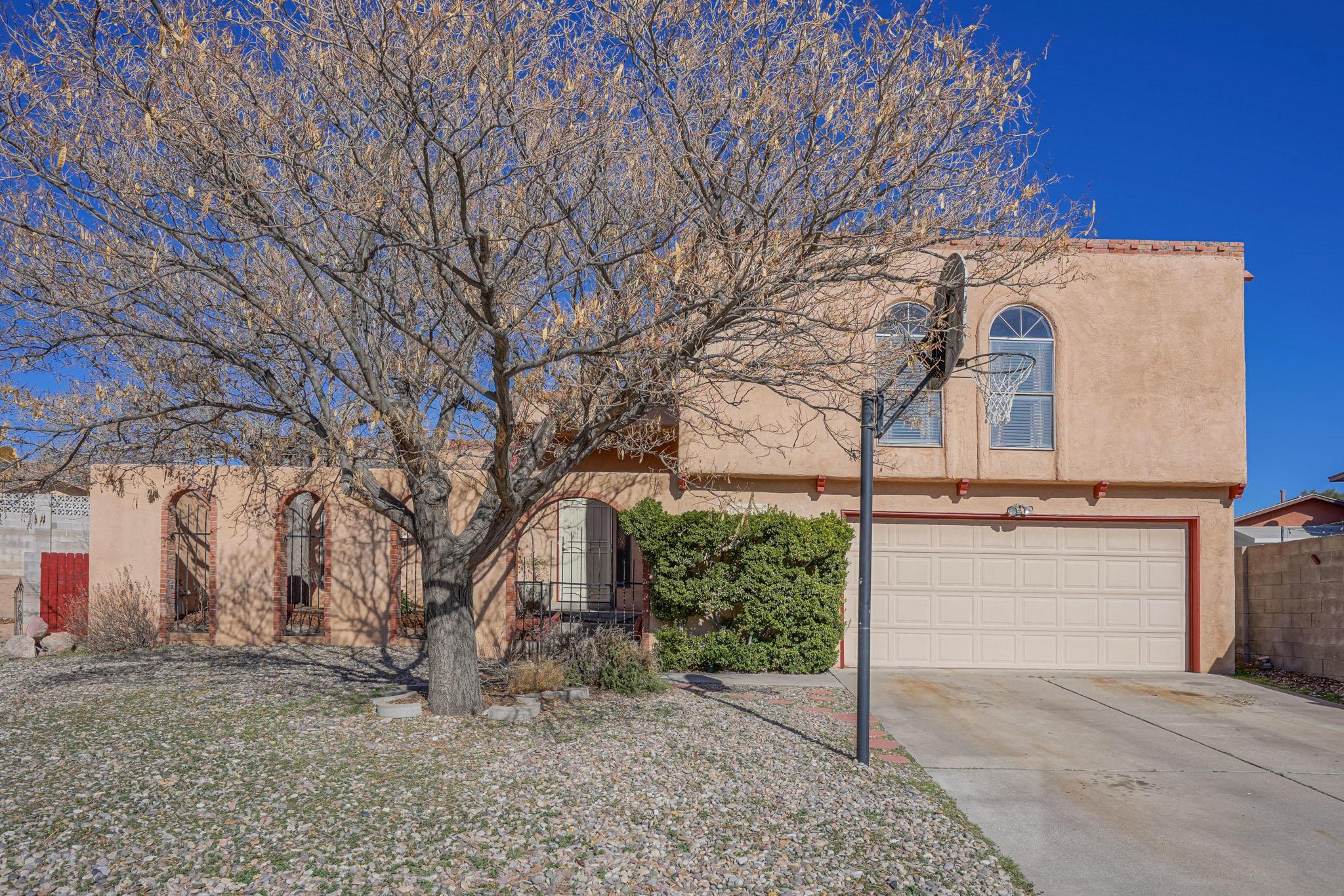 7716 ROBERTS Street NE Property Photo - Albuquerque, NM real estate listing