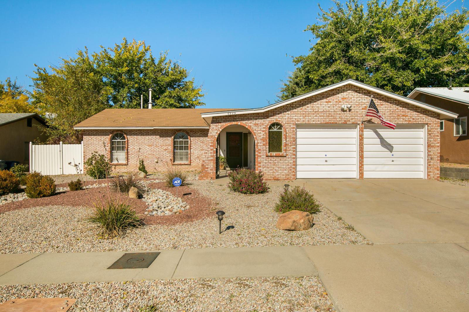 6929 MARILYN Avenue NE Property Photo - Albuquerque, NM real estate listing