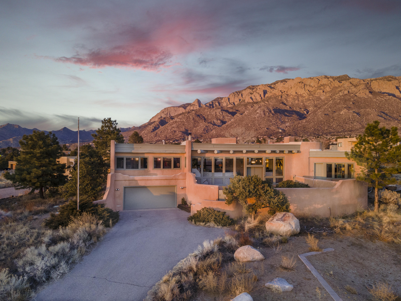 808 Tramway Lane NE Property Photo - Albuquerque, NM real estate listing