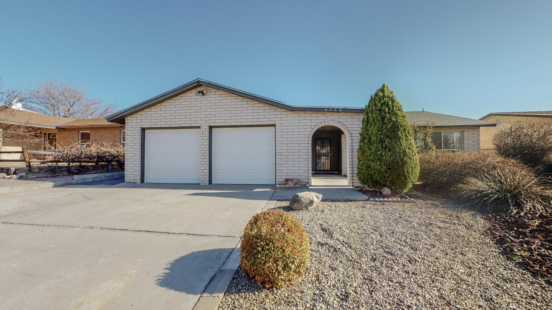 6408 MENDIUS Avenue NE Property Photo - Albuquerque, NM real estate listing