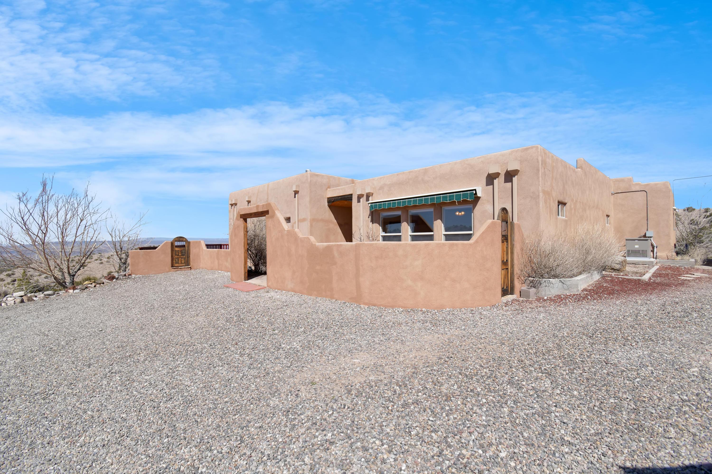 109 Camino Halcon Property Photo - Placitas, NM real estate listing