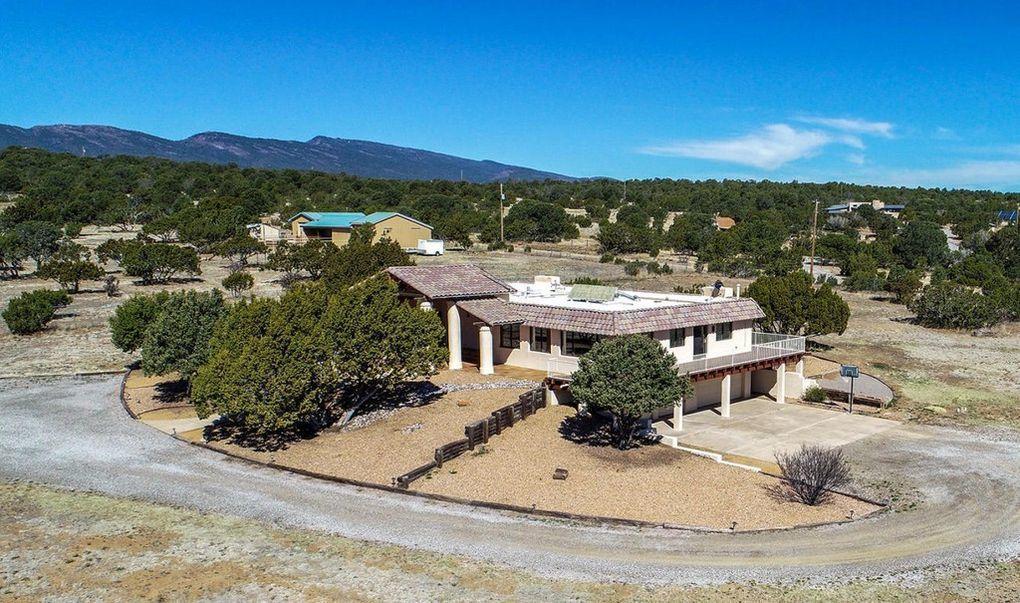 17 Camino Encantado Property Photo