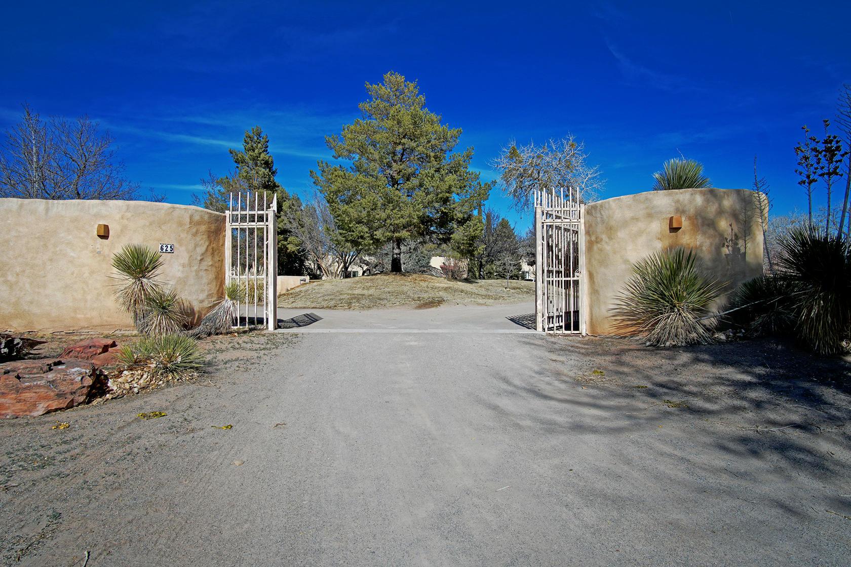 625 Corrales Del Norte Property Photo - Corrales, NM real estate listing