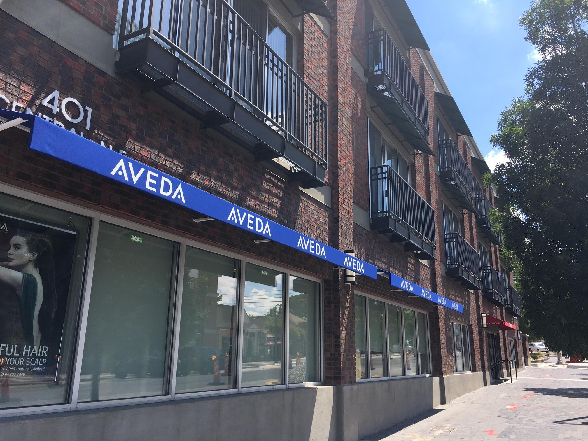 401 Central Avenue Ne #305 Property Photo 1