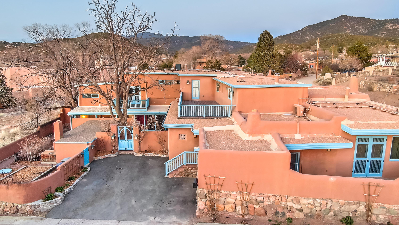 300- City Of Santa Fe Real Estate Listings Main Image