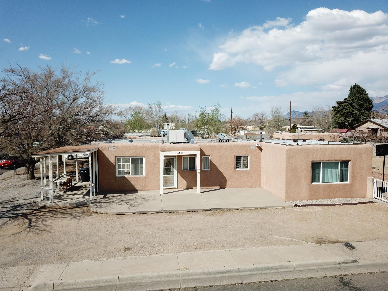 2404 VALENCIA Drive NE Property Photo - Albuquerque, NM real estate listing