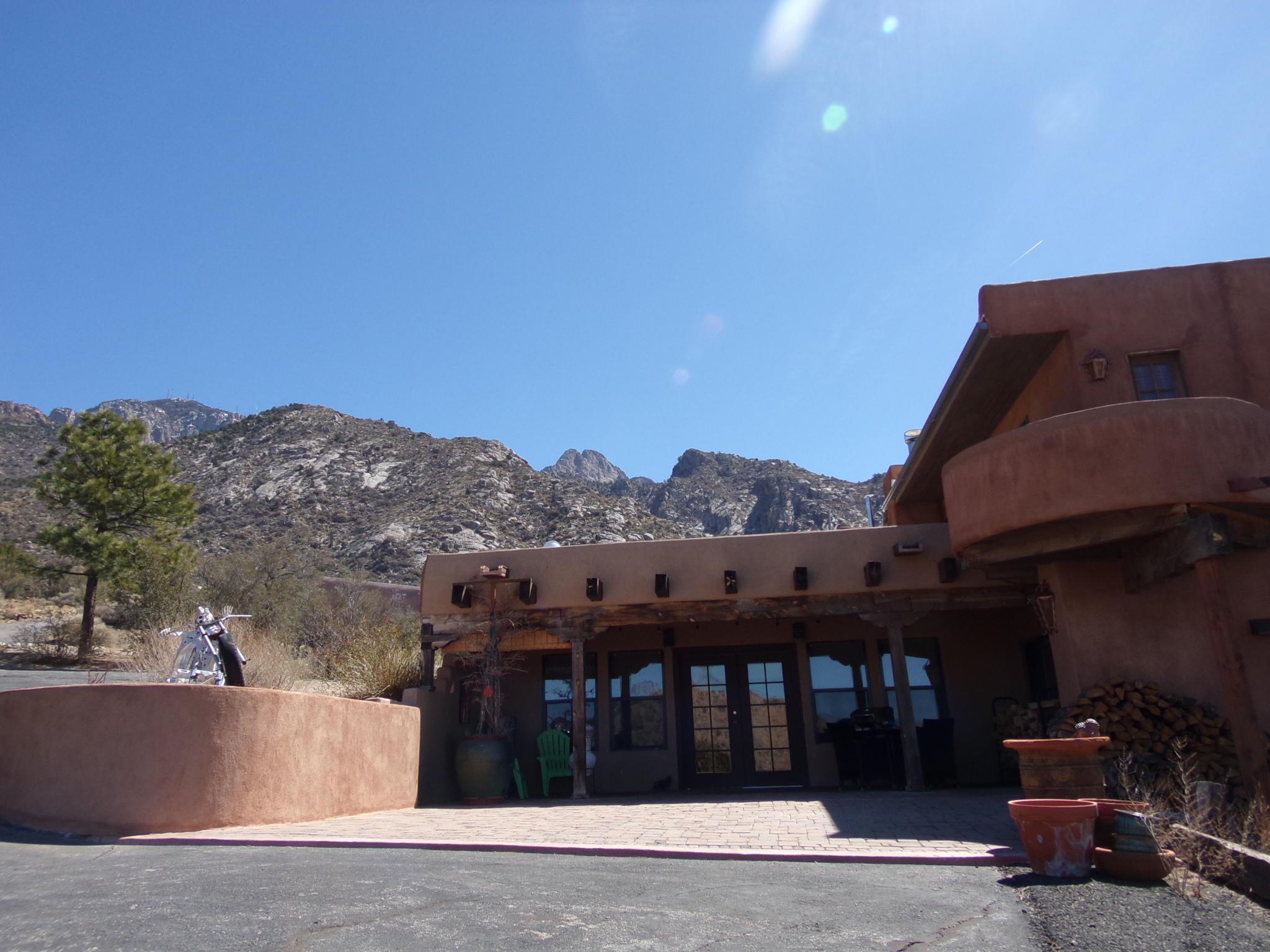 41 TIERRA MONTE Drive NE Property Photo - Albuquerque, NM real estate listing