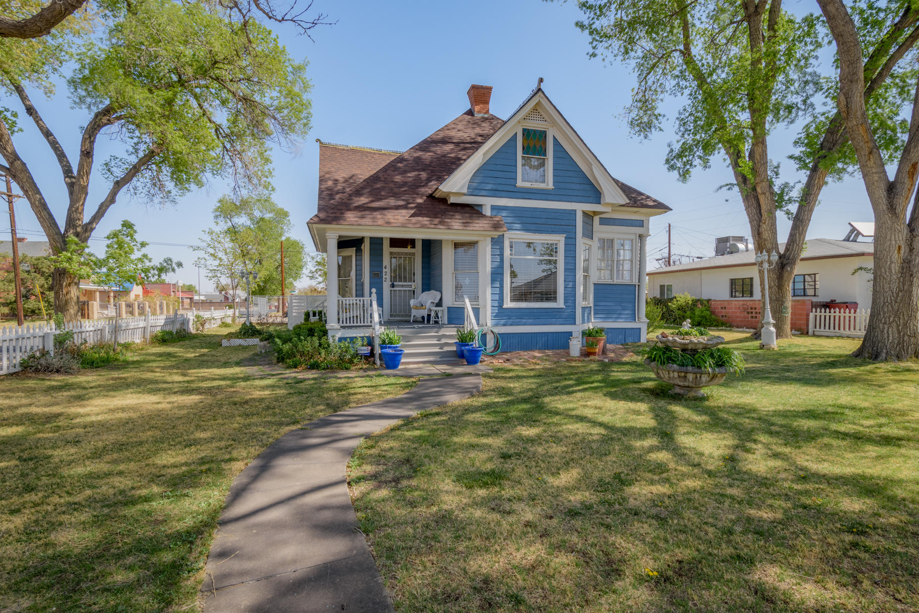 422 DALIES Avenue Property Photo 1