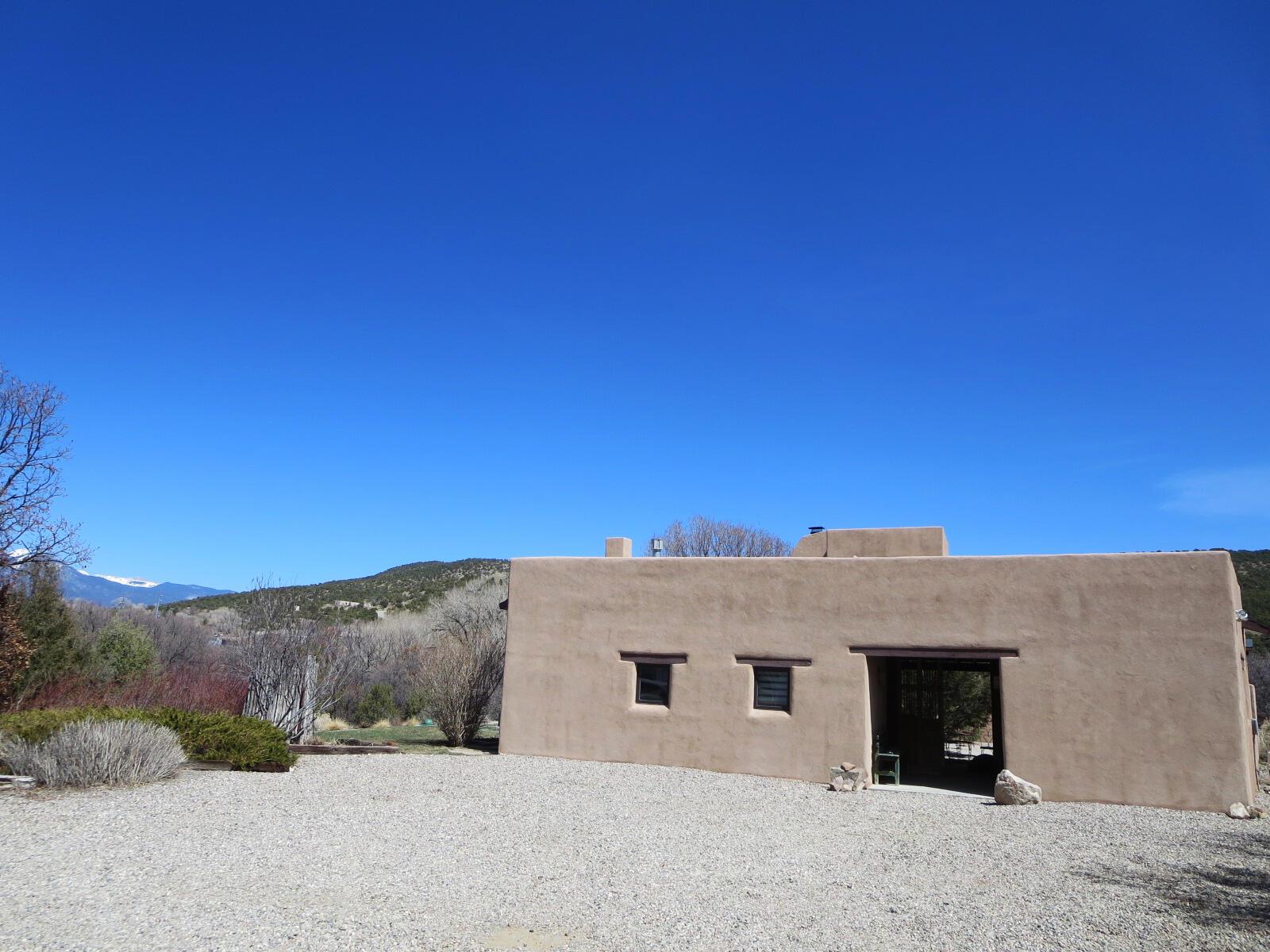 63A Torres Road Property Photo - Ranchos de Taos, NM real estate listing