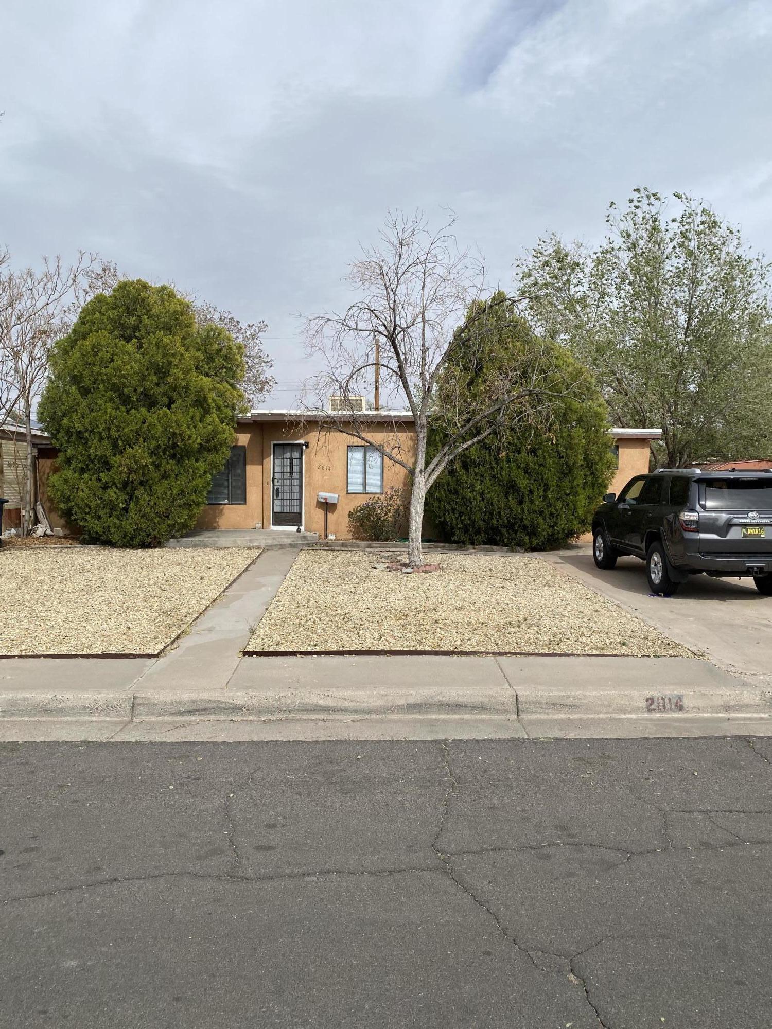 2814 MONROE Street NE Property Photo - Albuquerque, NM real estate listing