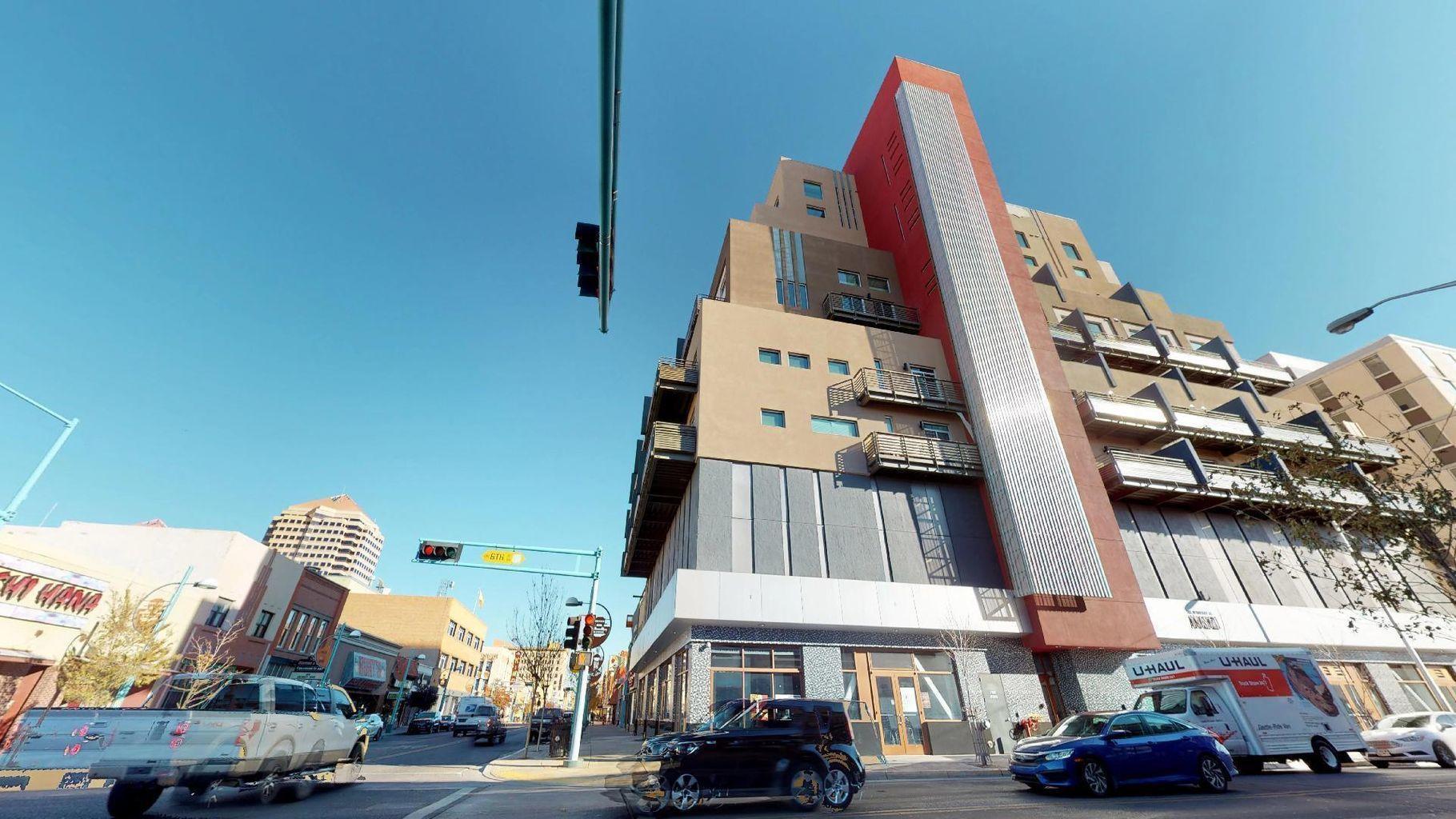 524 Central Avenue Sw #402 Property Photo 1