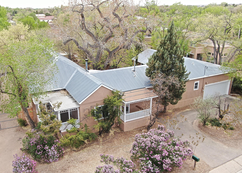 2026 Candelaria Road Nw Property Photo