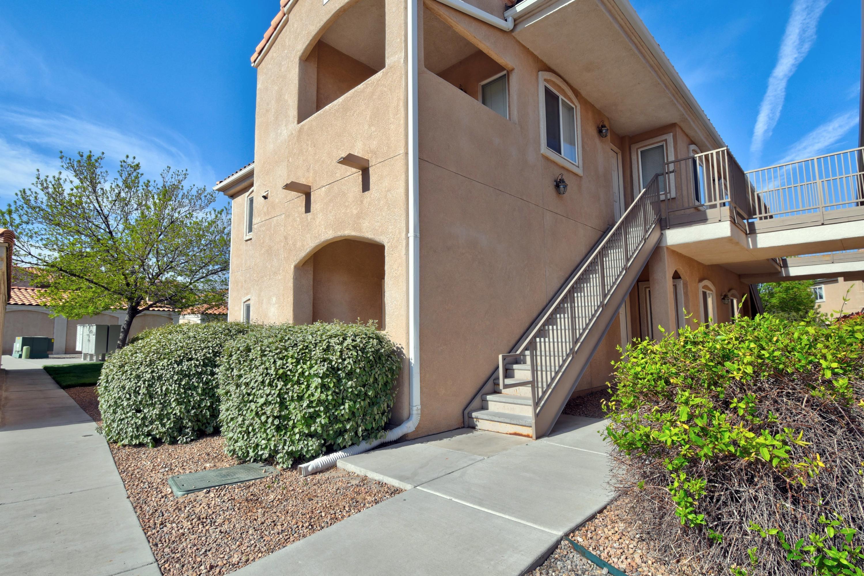 6800 VISTA DEL NORTE Road NE #812 Property Photo 1