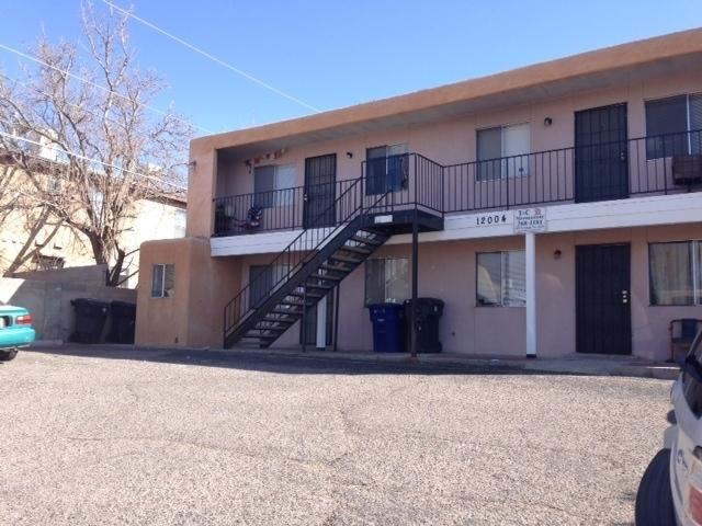 12004 PHOENIX Avenue NE Property Photo - Albuquerque, NM real estate listing