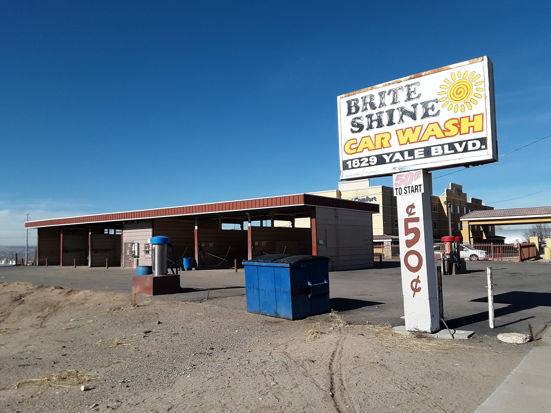 1901 Yale Boulevard SE Property Photo - Albuquerque, NM real estate listing