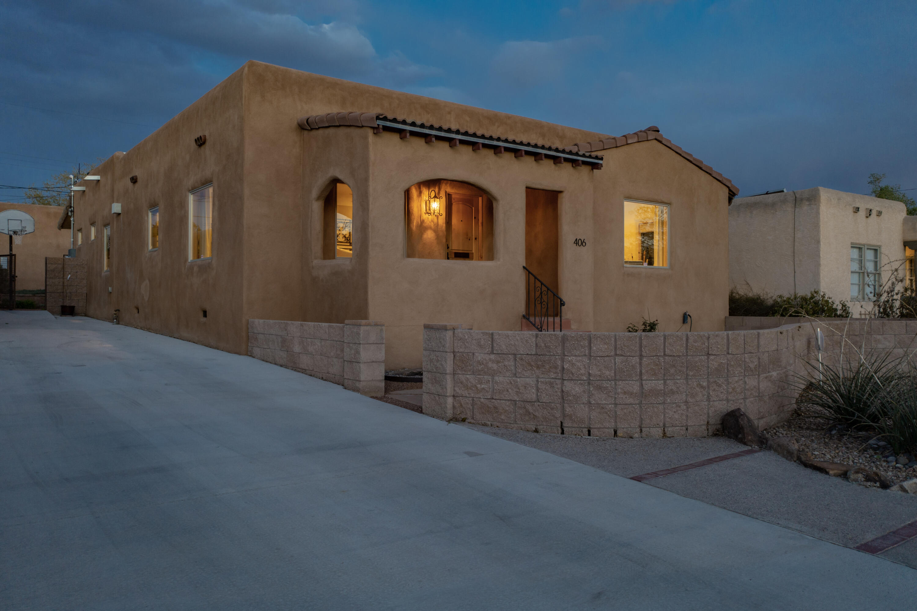 406 AMHERST Drive SE Property Photo - Albuquerque, NM real estate listing
