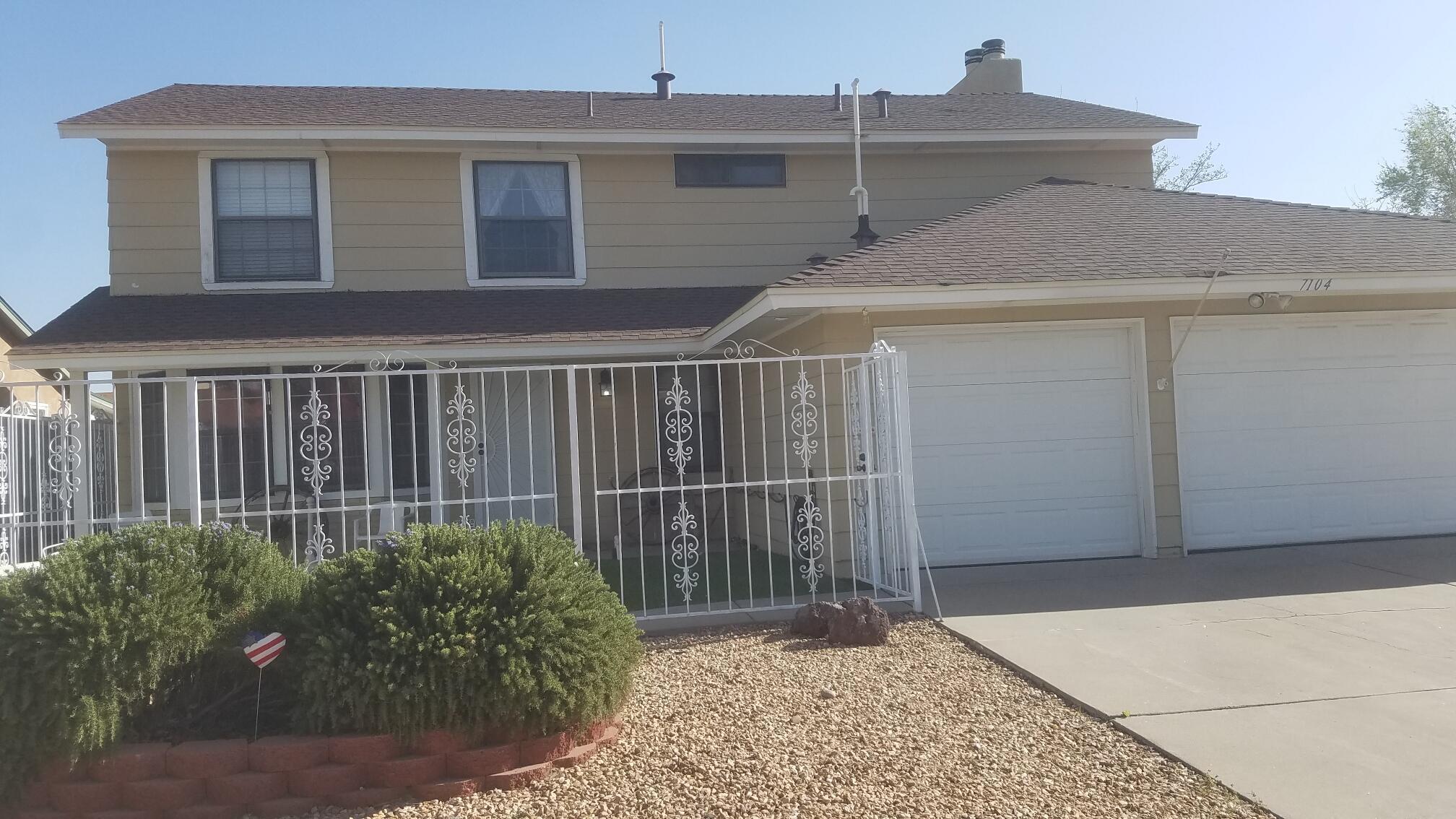 7104 Vivian Drive Ne Property Photo