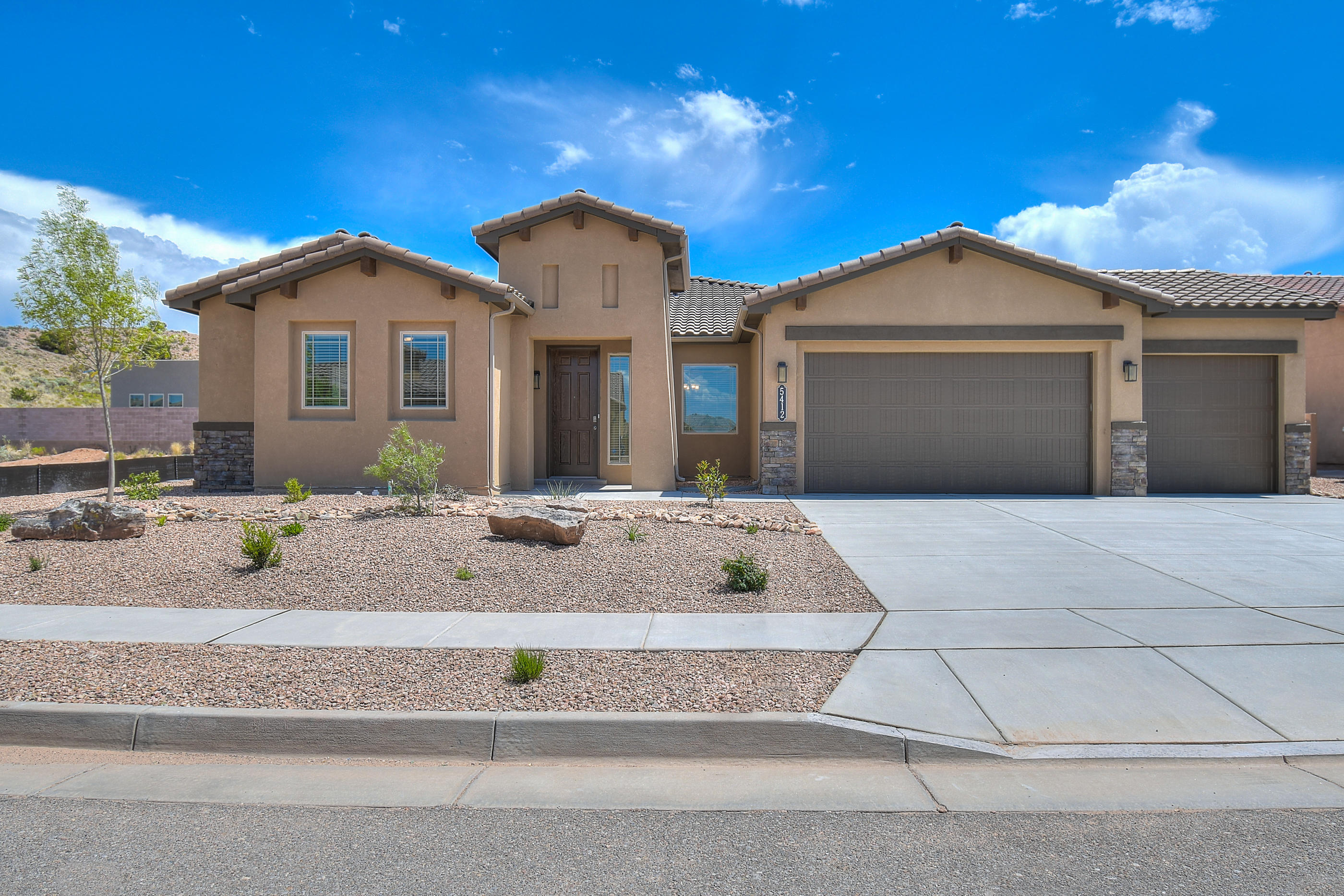 6532 KIMMICK Drive NW Property Photo - Albuquerque, NM real estate listing