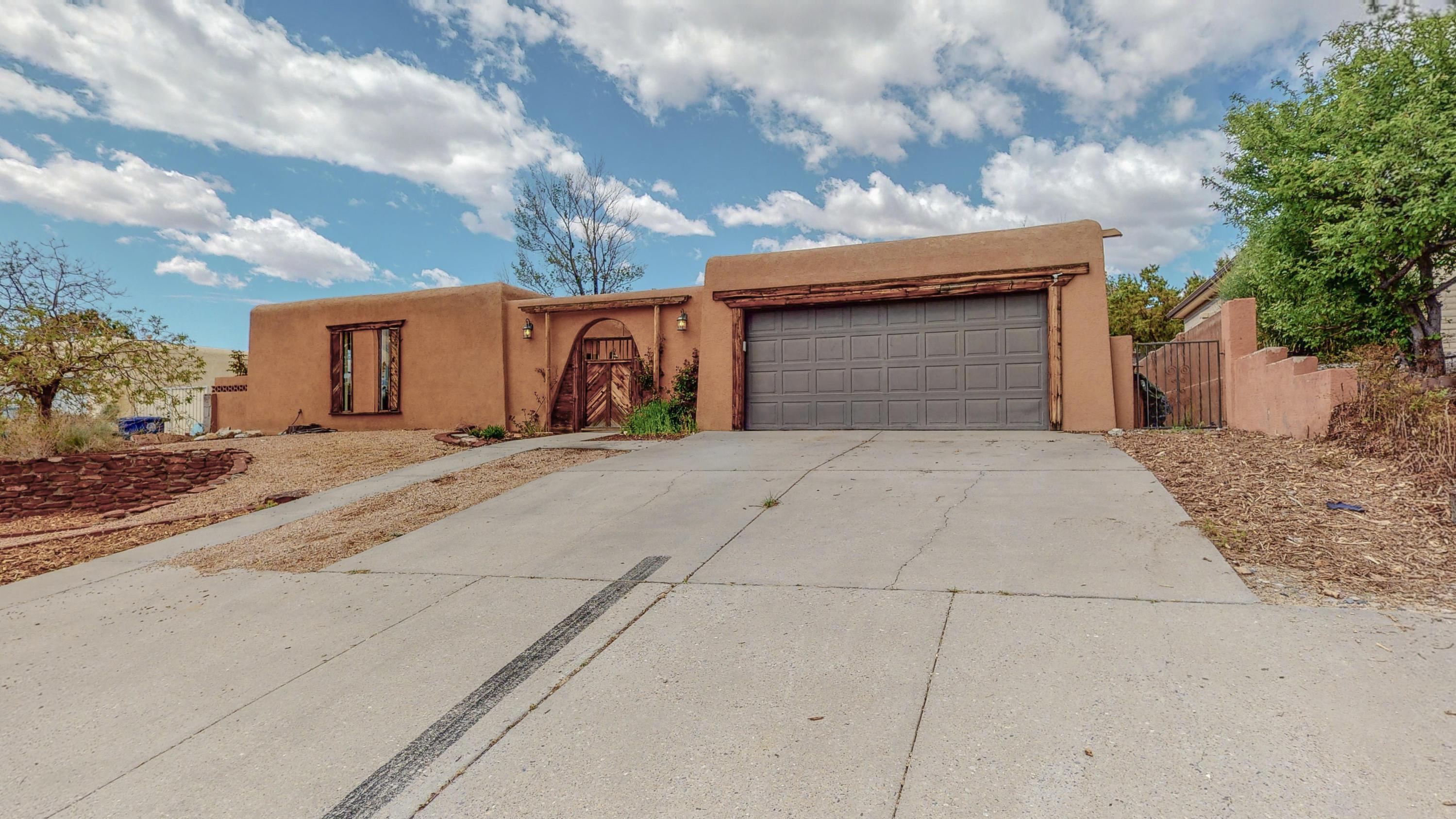 1432 Chihuahua Avenue NE Property Photo - Albuquerque, NM real estate listing