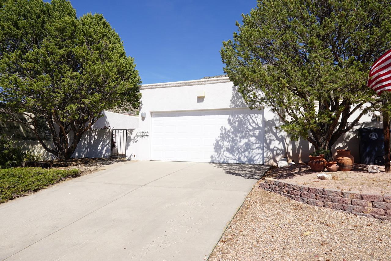 2924 CANDELITA Court NE Property Photo - Albuquerque, NM real estate listing