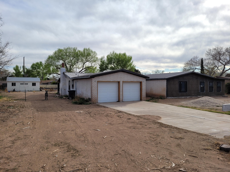 1016 STUART Road NW Property Photo - Albuquerque, NM real estate listing