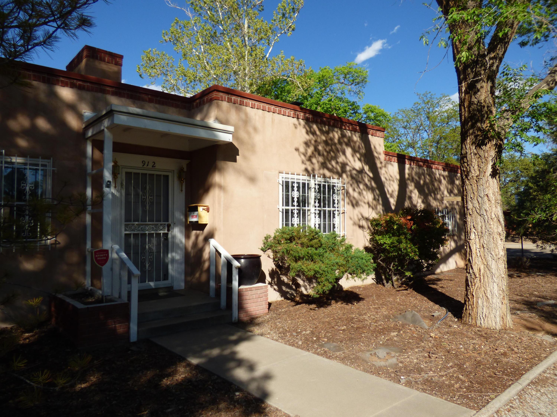 912 Grandview Drive Se Property Photo