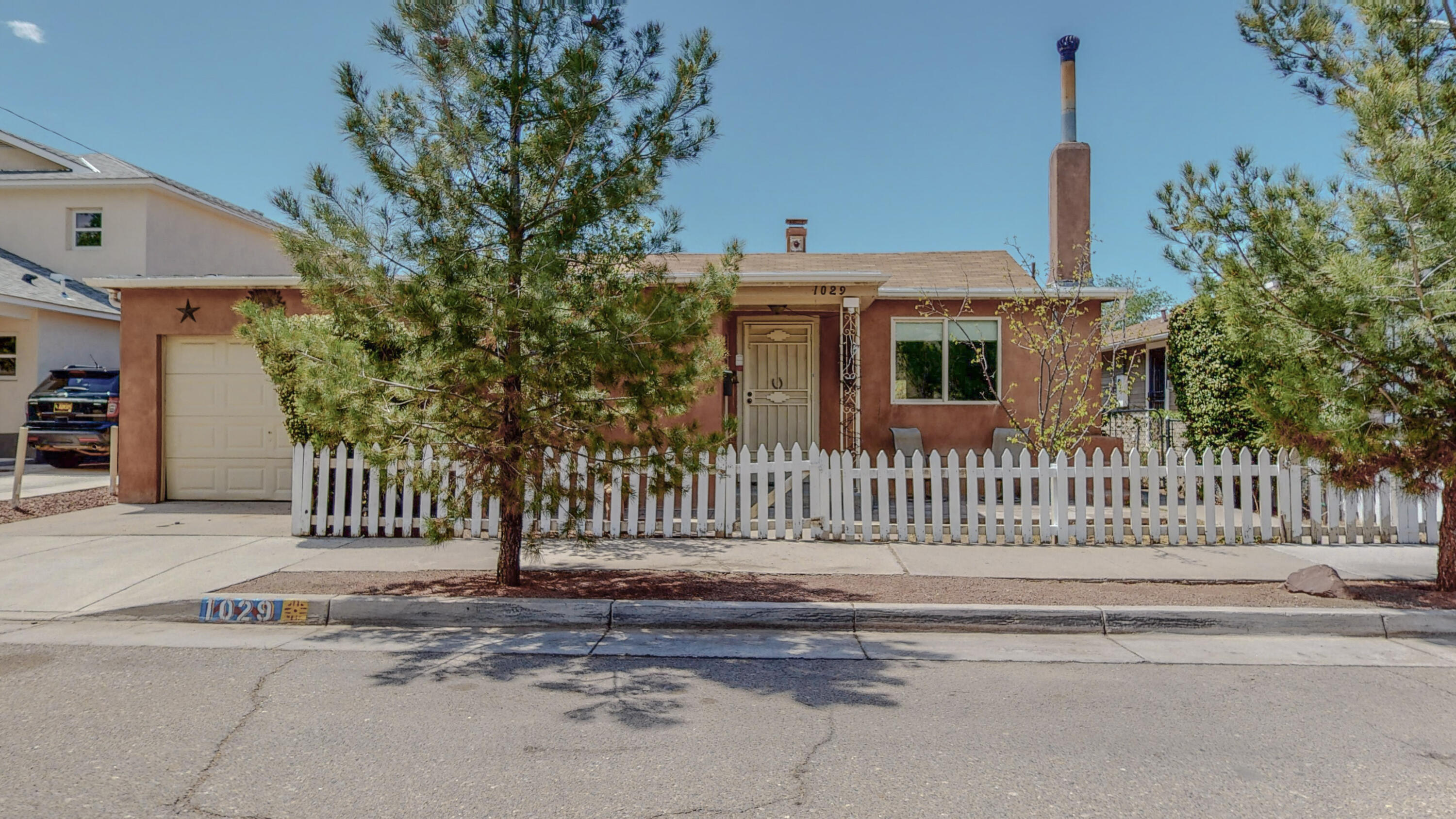 1029 FORRESTER Street NW Property Photo - Albuquerque, NM real estate listing
