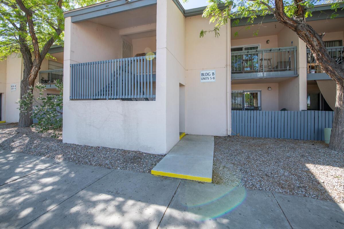 4601 CARLISLE Boulevard NE #B7 Property Photo - Albuquerque, NM real estate listing