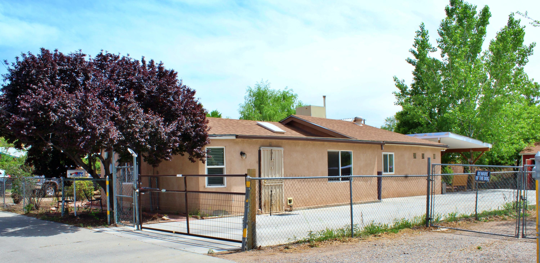 1804 LEONORA Drive NW Property Photo - Albuquerque, NM real estate listing