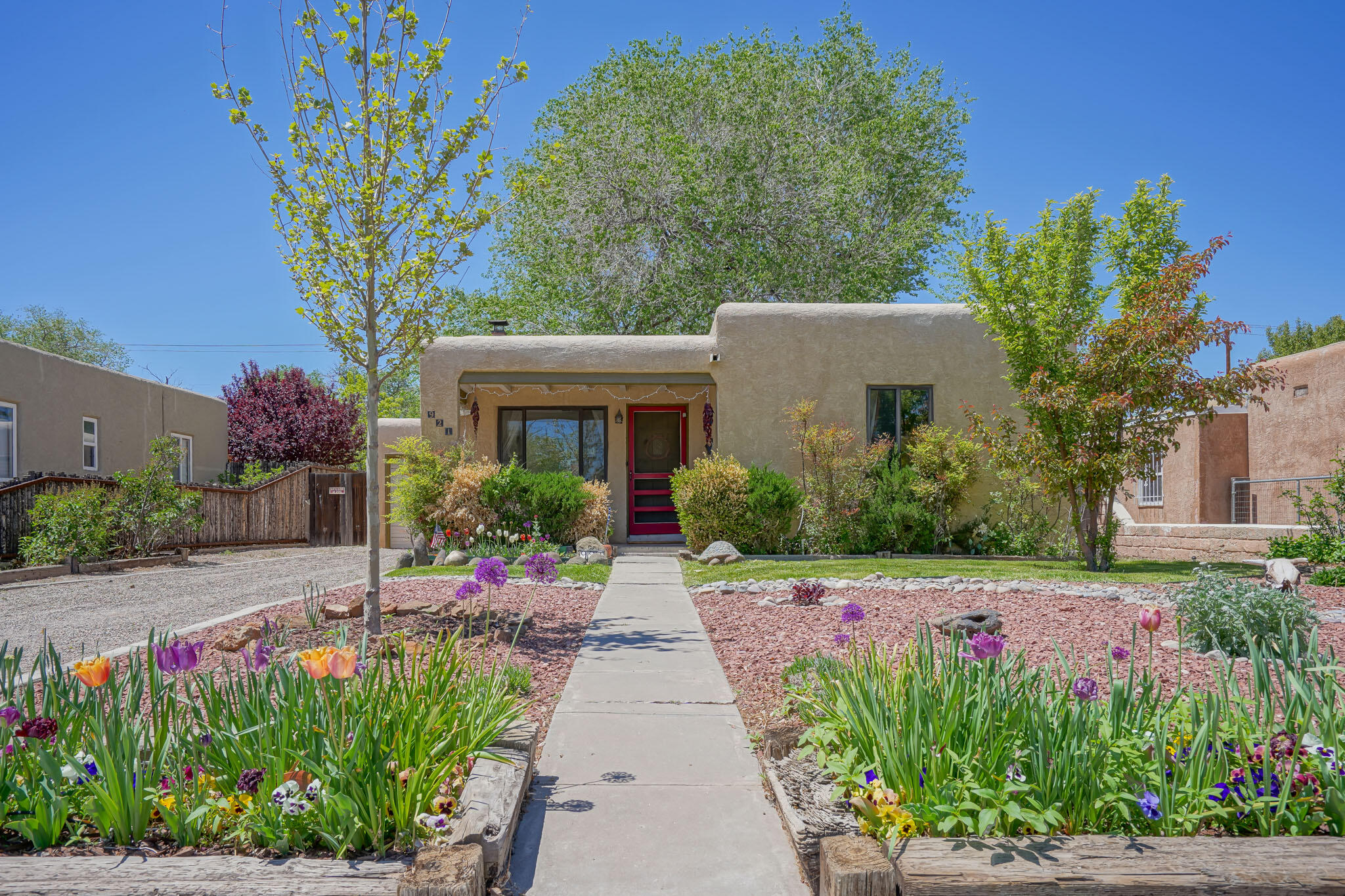 921 WASHINGTON Street SE Property Photo - Albuquerque, NM real estate listing