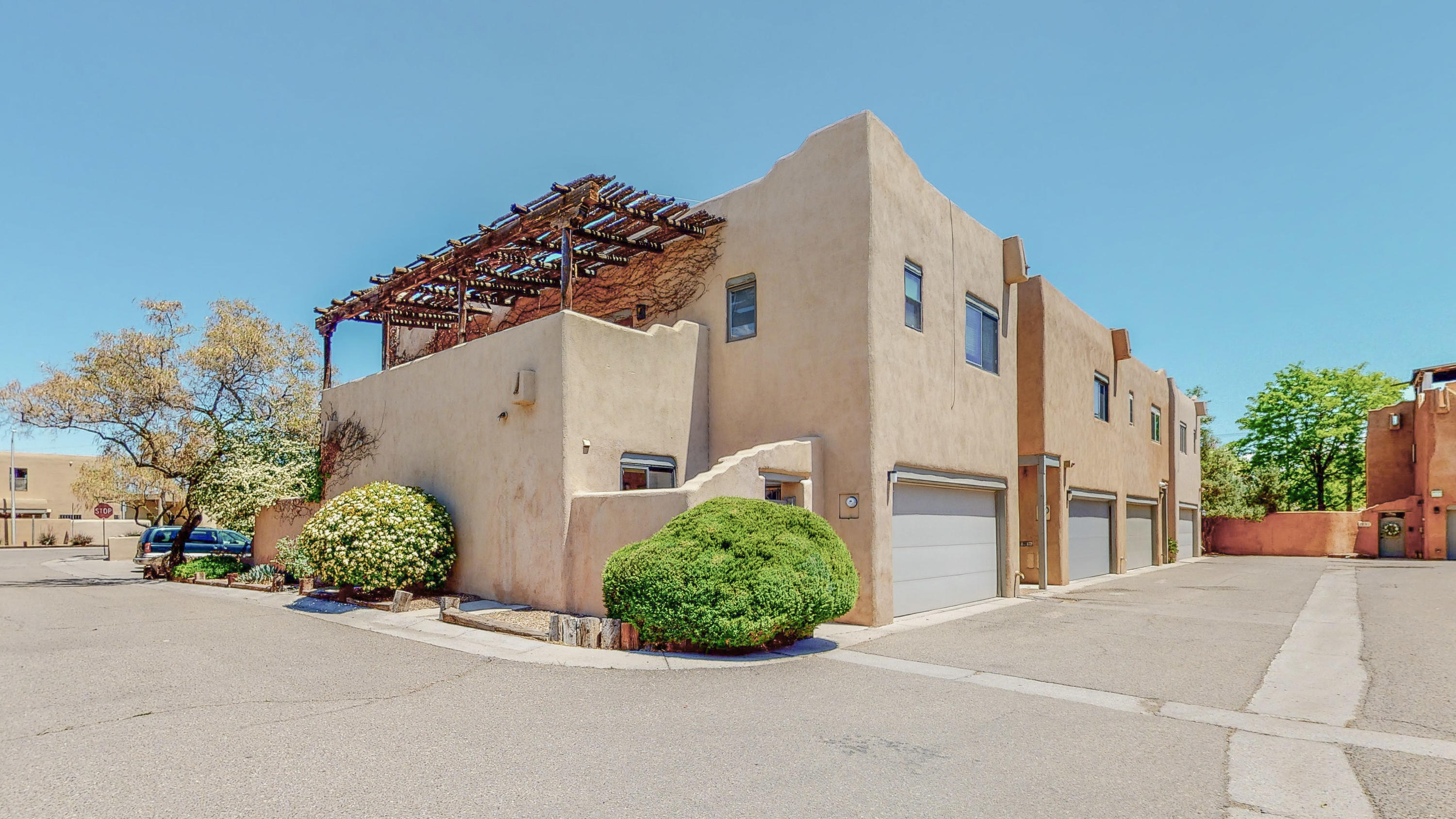 806 Southeast Circle NW Property Photo - Albuquerque, NM real estate listing