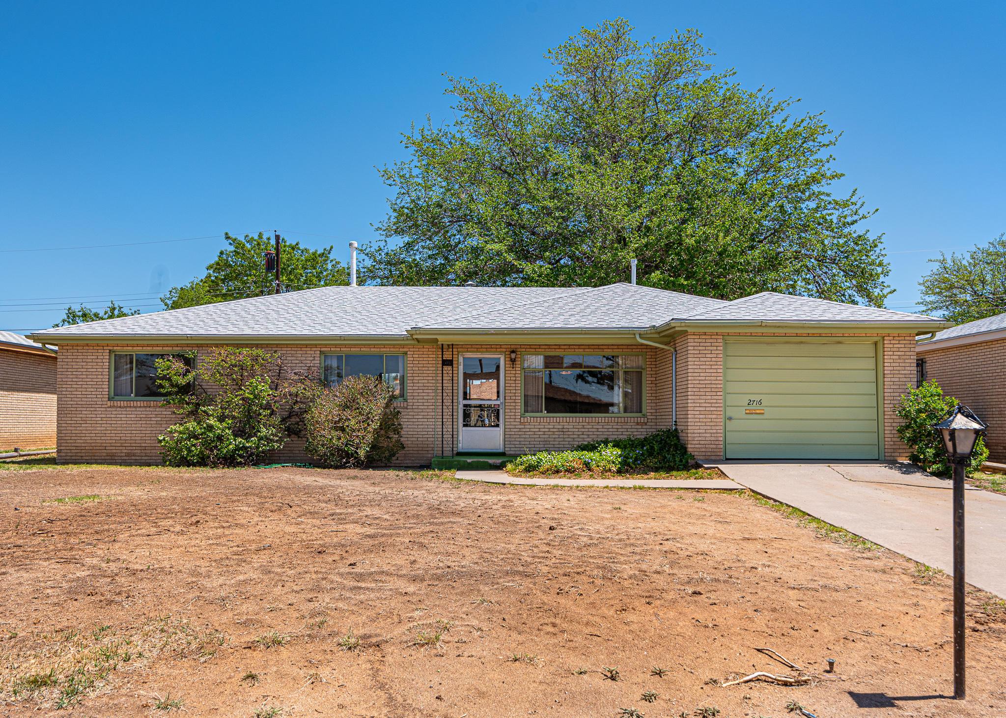 2716 Alcazar Street NE Property Photo - Albuquerque, NM real estate listing