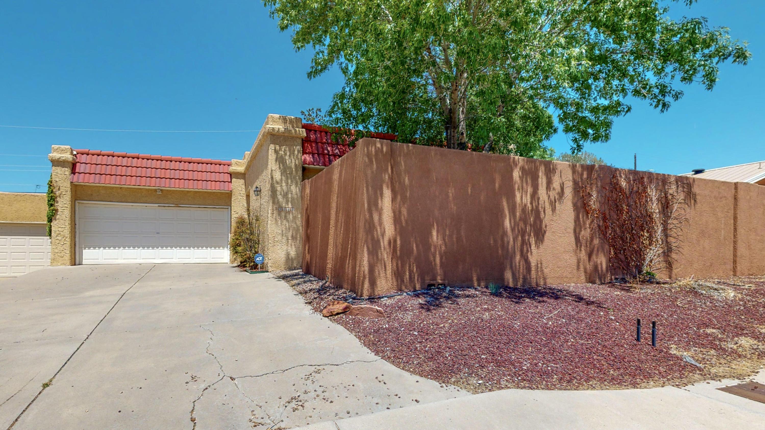 9513 Comanche Road Ne Property Photo 1
