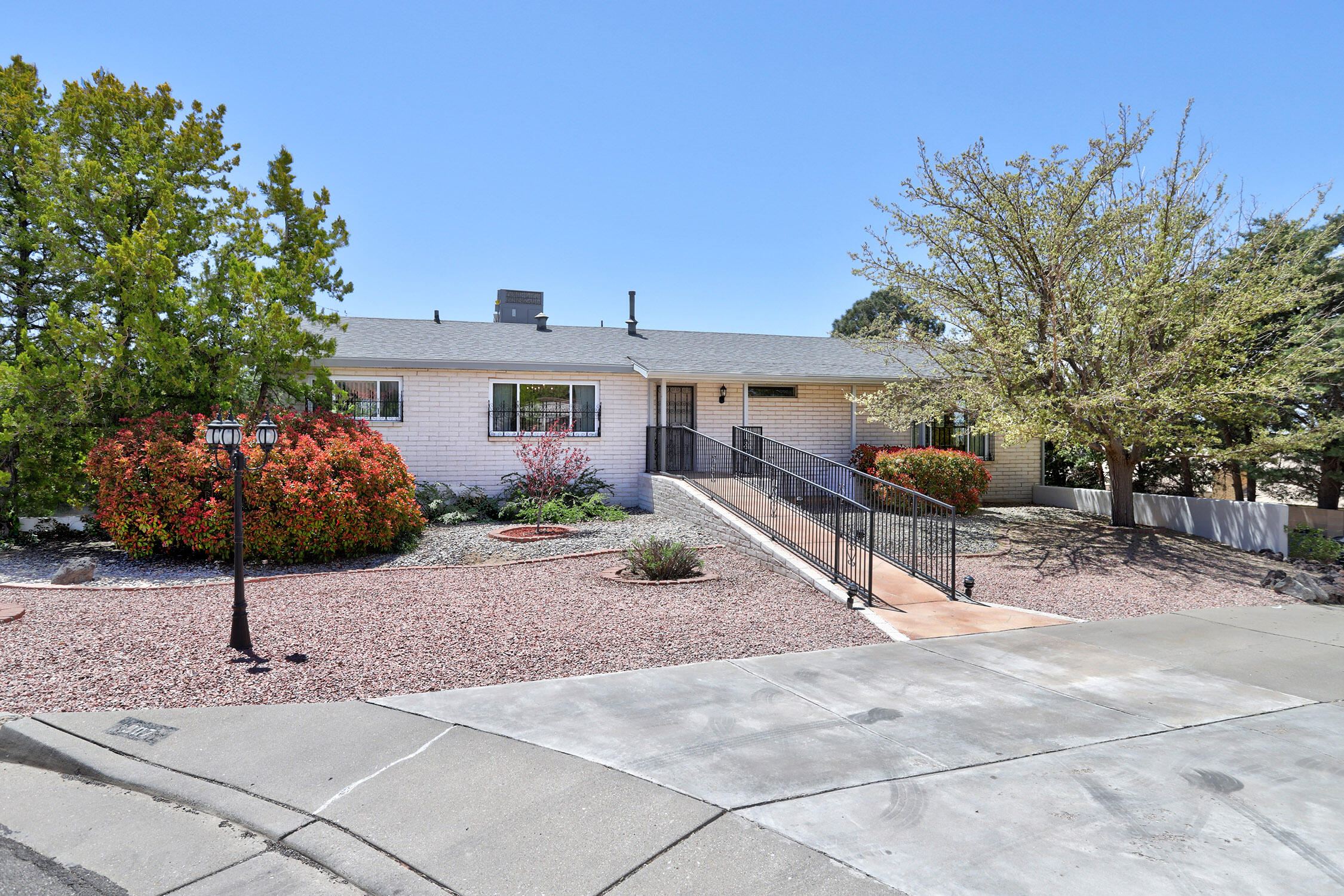 907 POCO CERRO Court SE Property Photo - Albuquerque, NM real estate listing