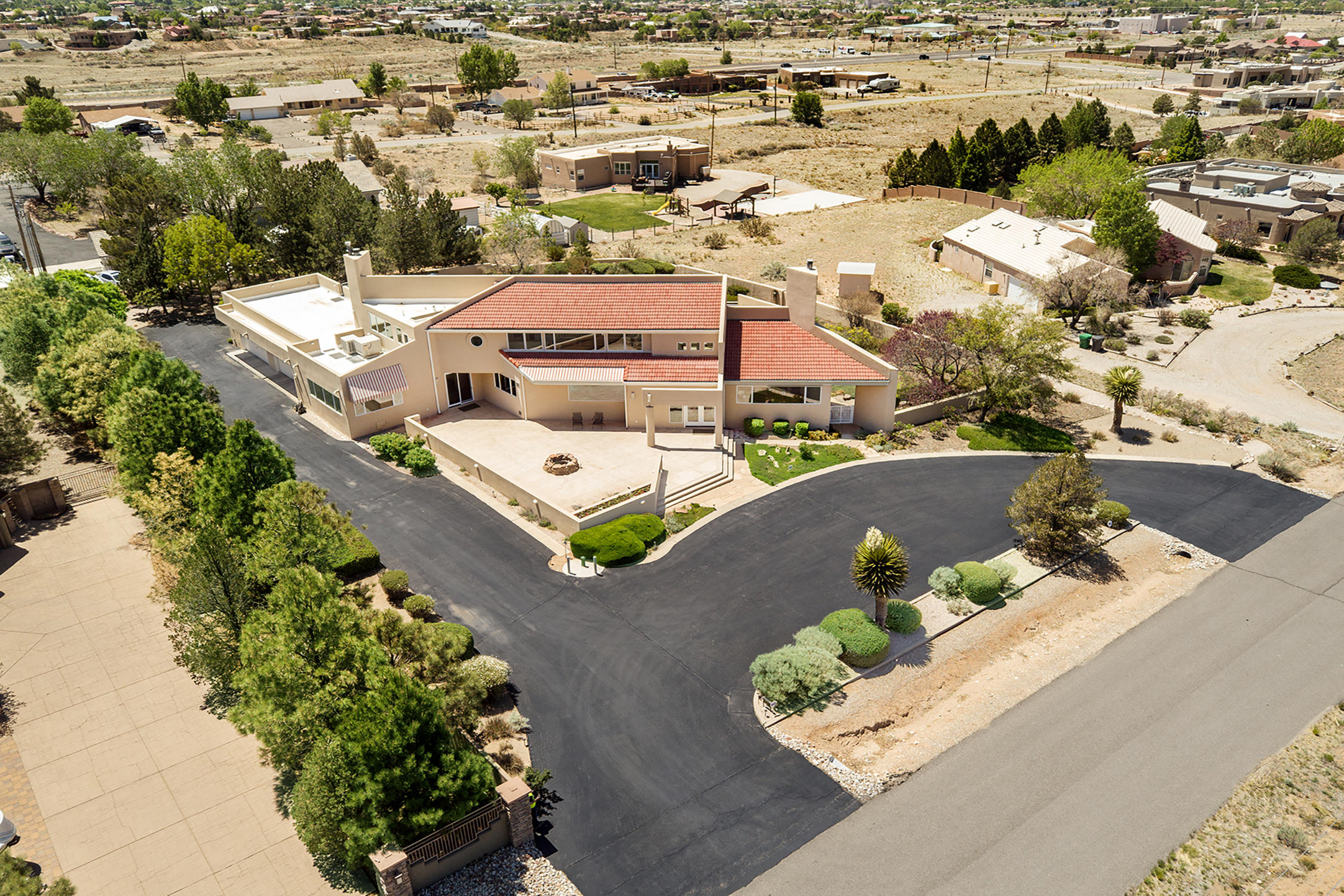 11406 Carmel Avenue Ne Property Photo