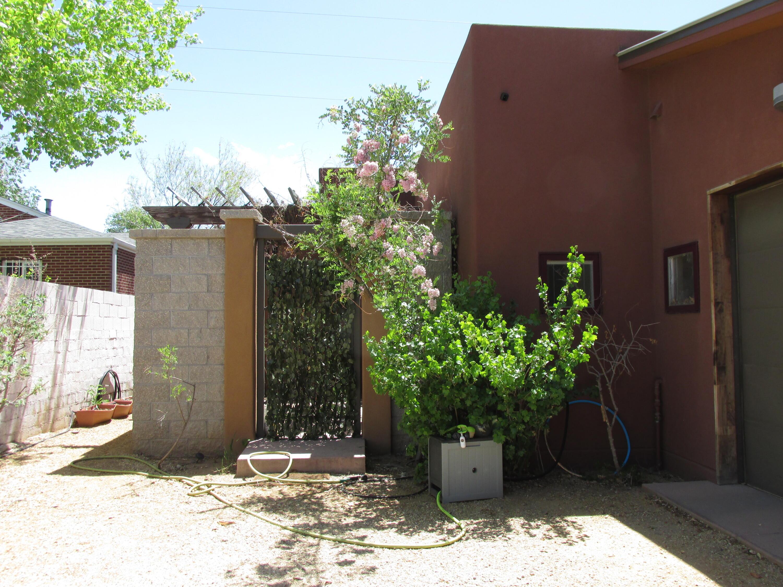 1607 Coal Avenue Se #b Property Photo